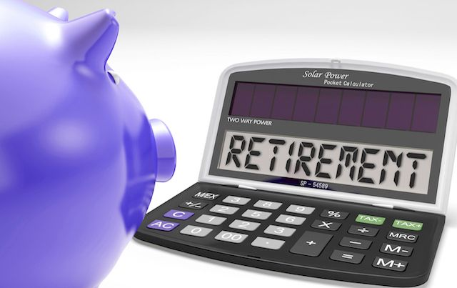 Purple piggy bank looking at calculator that says RETIREMENT
