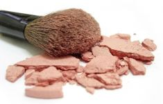 makeup brush with shattered blush solids