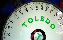 close up of Toledo scale weight dial